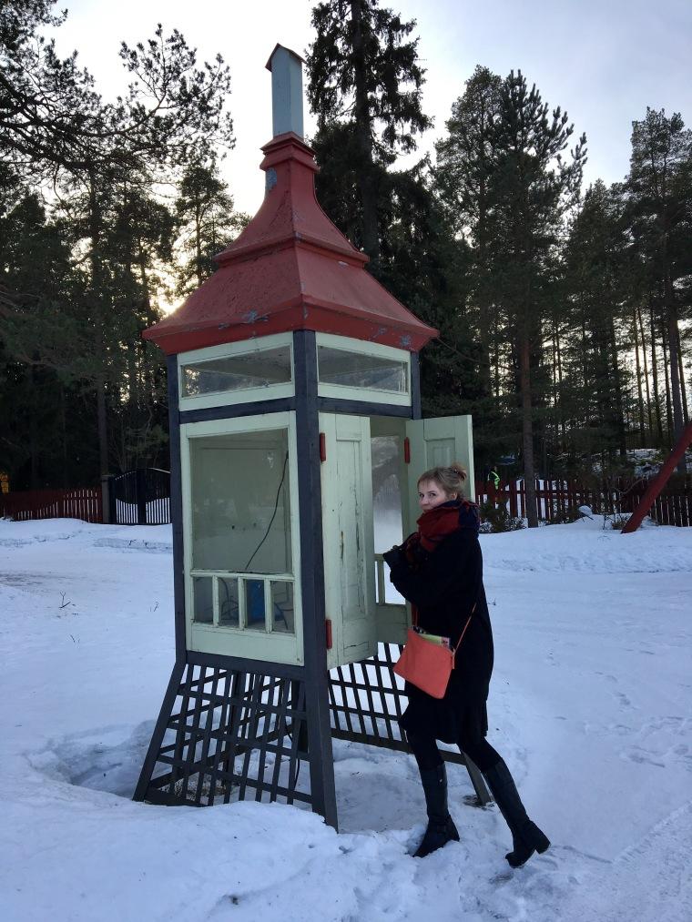 vanha puhelinkoppi