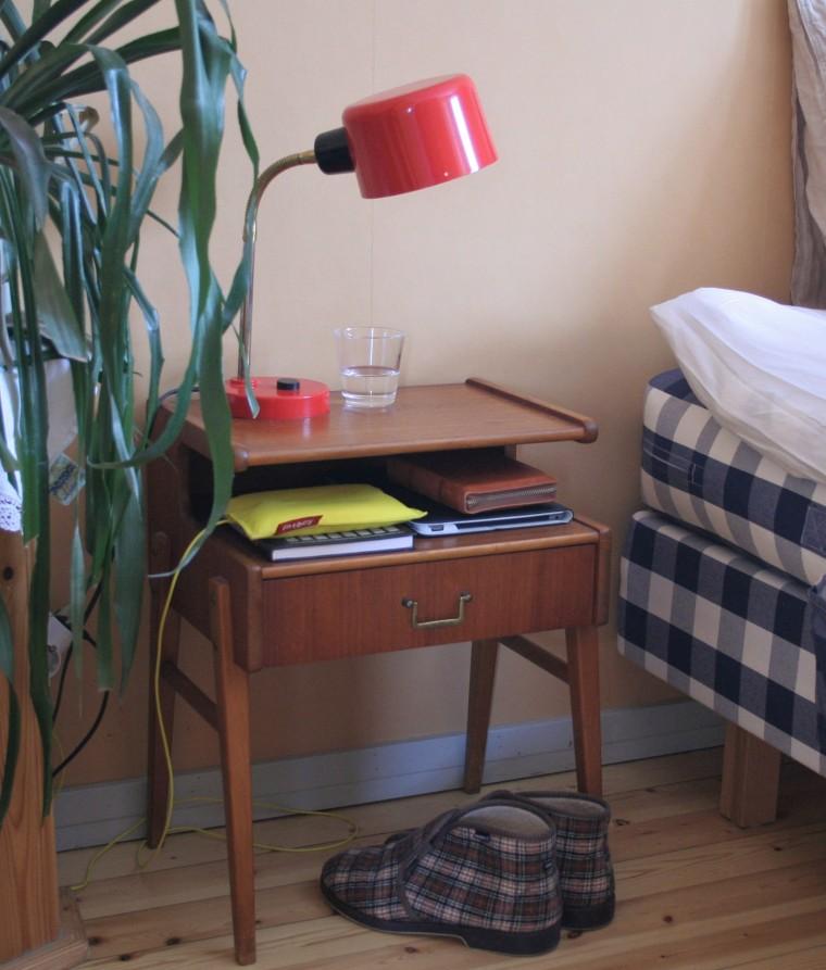 50-luku yöpöytä